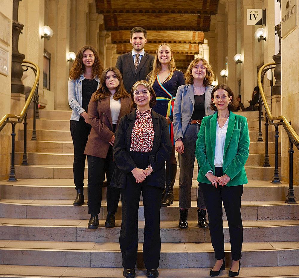 Photographie des membres du bureau de l'association du M2 Communication, sociologie du droit et de la justice